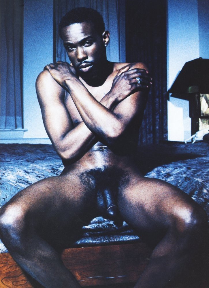black-rappers-nudes-girls-showing-off