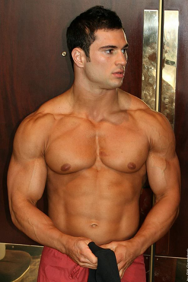 naked-young-muscular-hunks