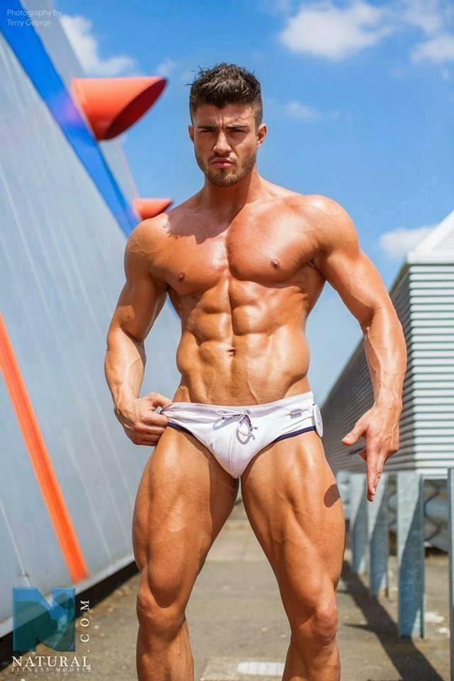 Rogan OConnor And His Immensely Muscled Body - Gay Body