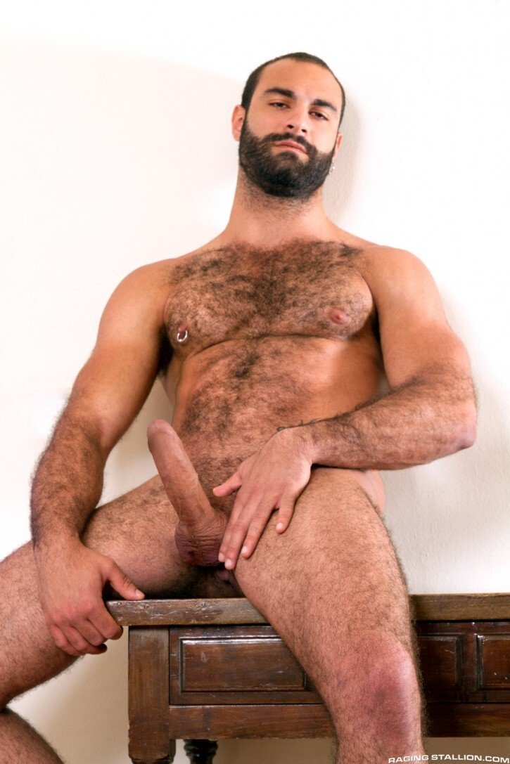 Hairy guy on cam show